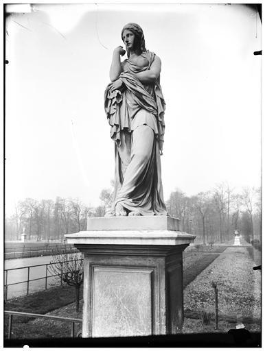 Statue de La Prisonnière barbare, Veturie, Le Silence