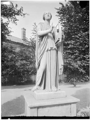 Statue de Terpsichore, Erato