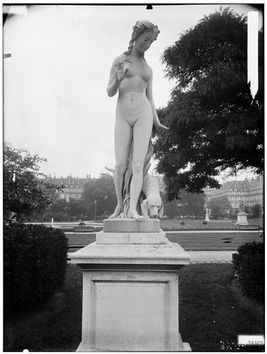 Statue de Nymphe