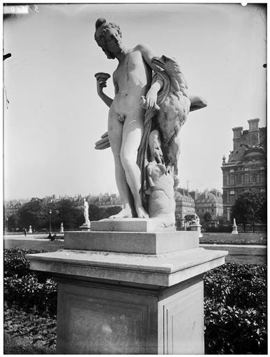 Statue de Ganymède