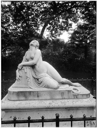 Statue de la Mort de Lais