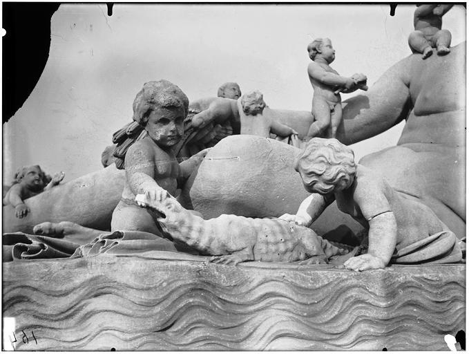 Statue du Nil, groupe sculpté