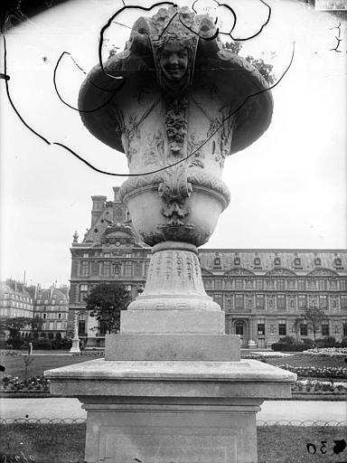Vase du parterre du Carrousel