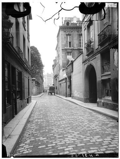 Vue du portail sur rue
