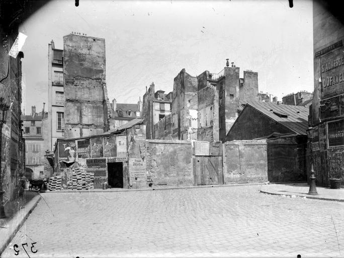 Maisons en démolition