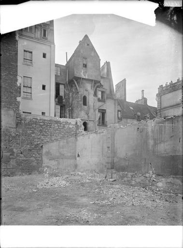 Tour de Calvin, tour du Collège Fortet en démolition