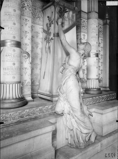 Monument de Regnault