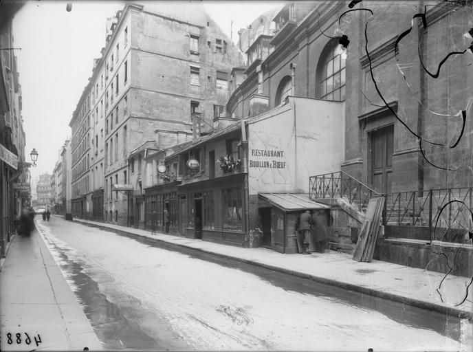 Vue générale sur la rue Saint-Honoré