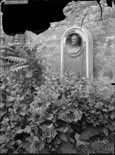 Tombeau de Georges Bernard