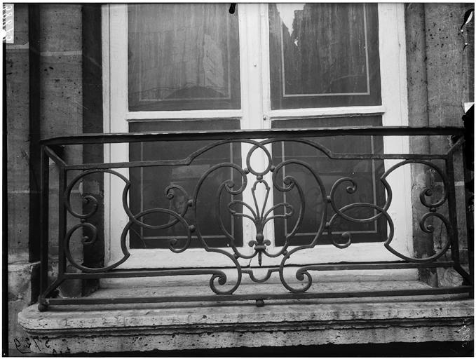 Appui de fenêtre en fer