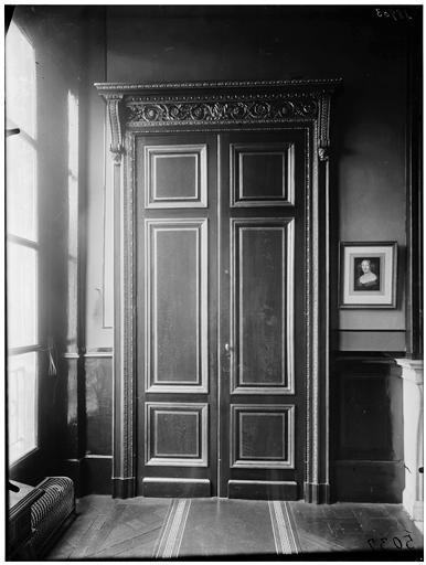 Intérieur, porte