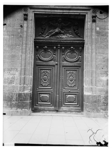 Façade nord, portail