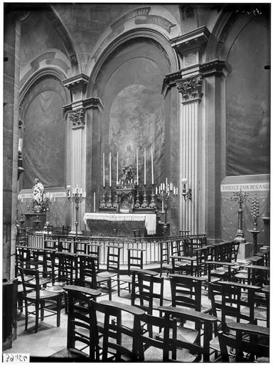 Vue de l'autel de la chapelle du Saint-Sacrement