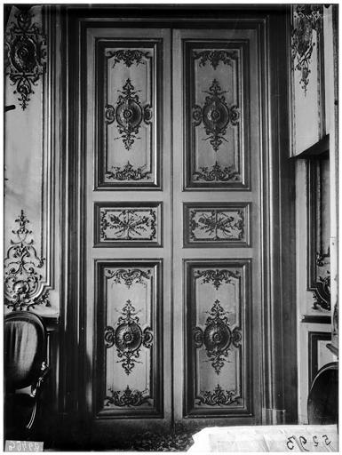 Intérieur, porte et boiseries