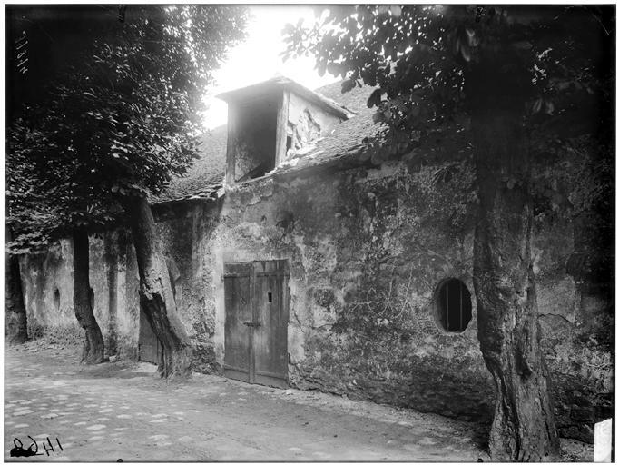 Vue des entrepôts de la cour Crépier