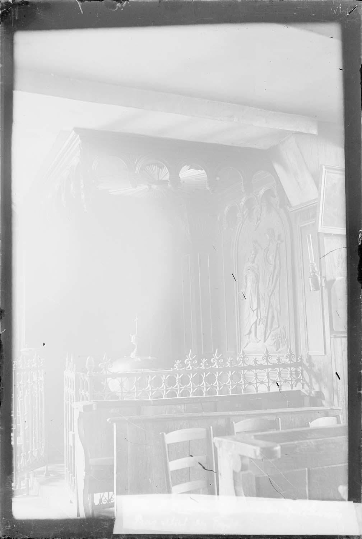 Fonts baptismaux, lambris