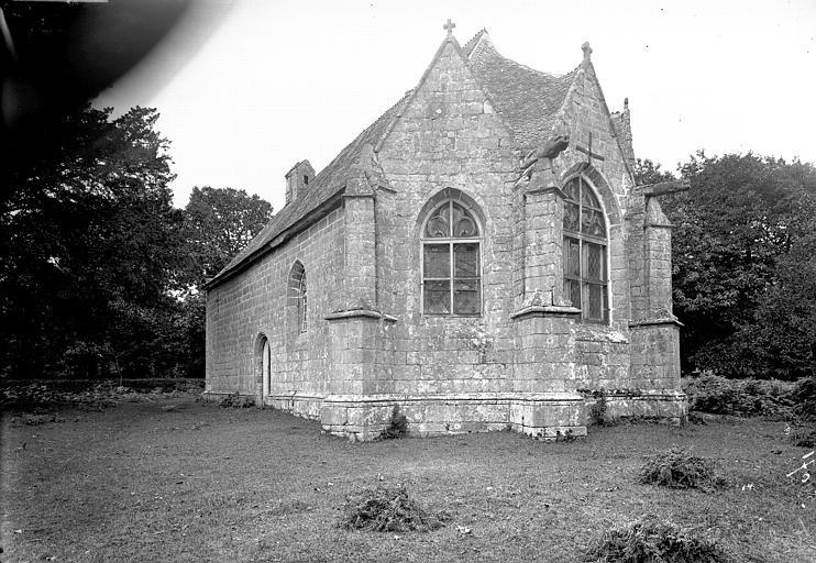 Chapelle Sainte-Suzanne avec le calvaire