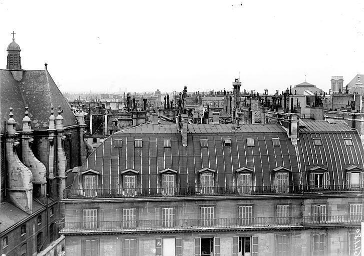 Vue prise des toits du Louvre, oratoire et maisons de la rue de Rivoli