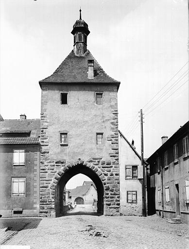 Fortifications (restes des anciennes) ; Porte supérieure dite Obertor