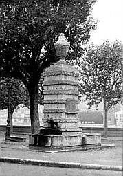 Fontaine du Jeu de Paume