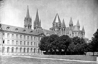 Ancienne abbaye aux Dames, actuellement siège du conseil régional de Basse-Normandie
