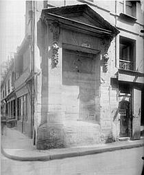 Fontaine des Guillemites (ancienne)
