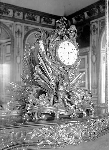 Cabinet du Conseil, pendule Louis XV