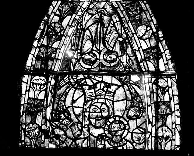Vitrail, déambulatoire, septième fenêtre haute, premier panneau, lancette médiane en haut
