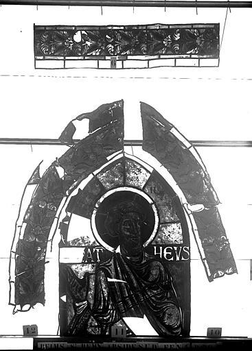 Vitrail, abside sud, quatrième fenêtre