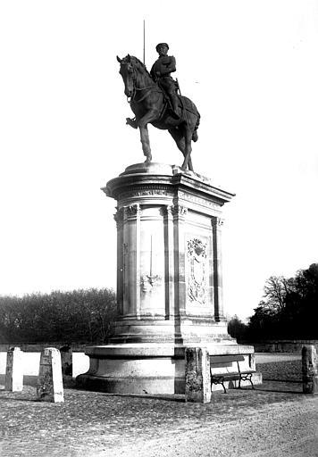 Statue équestre du duc de Montmorency