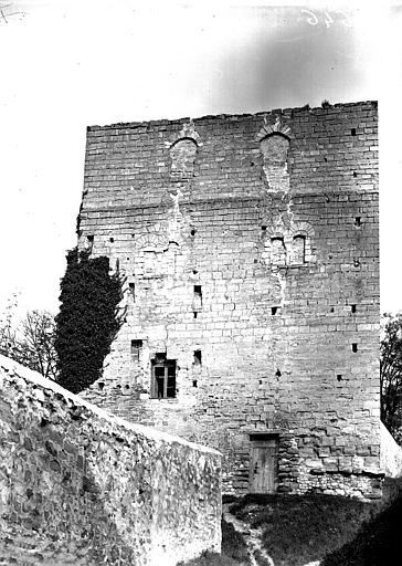 Tour en ruines, donjon