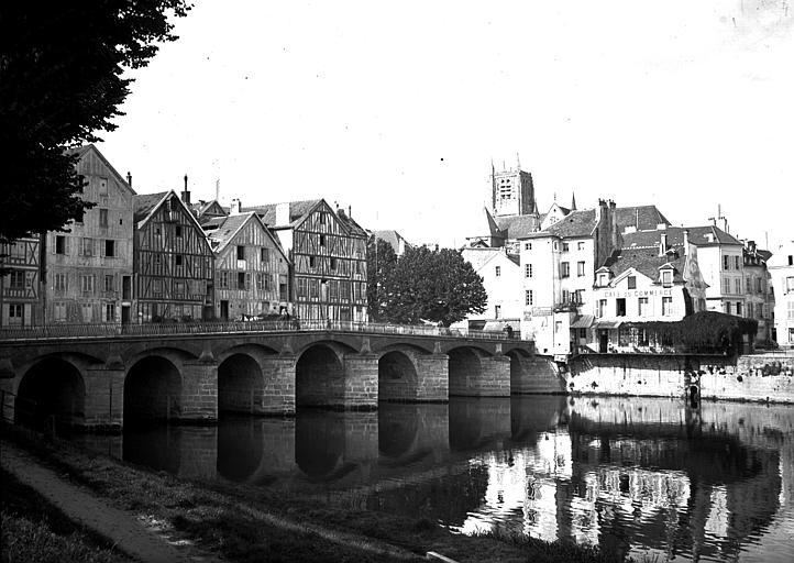 Pont;Moulins;Maisons