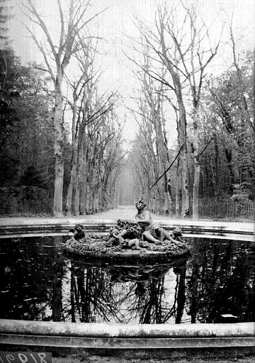 Bassin et fontaine
