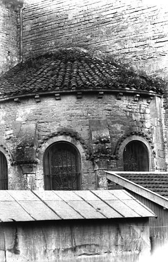 Chapelle des Fonts baptismaux et extérieur du transept nord