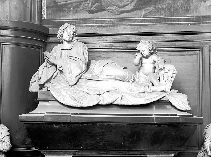 Tombeau, statue funéraire