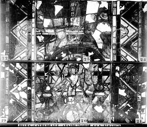 Vitrail, abside nord, quatrième fenêtre, baie 1