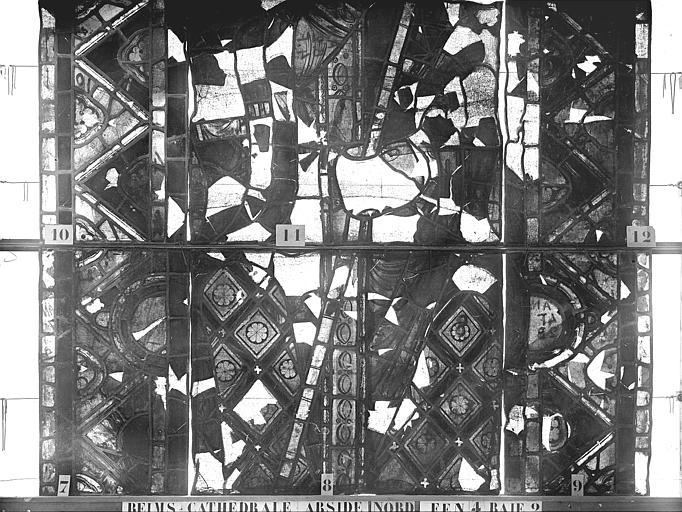 Vitrail, abside nord, quatrième fenêtre, baie et rose