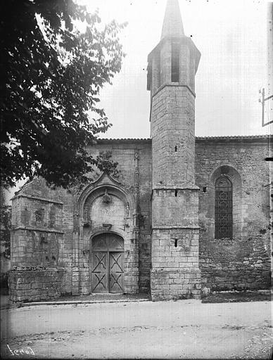 Portail et clocher côté sud