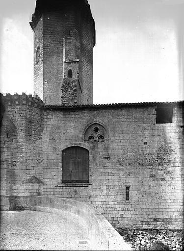 Tour et partie de la façade au nord-est