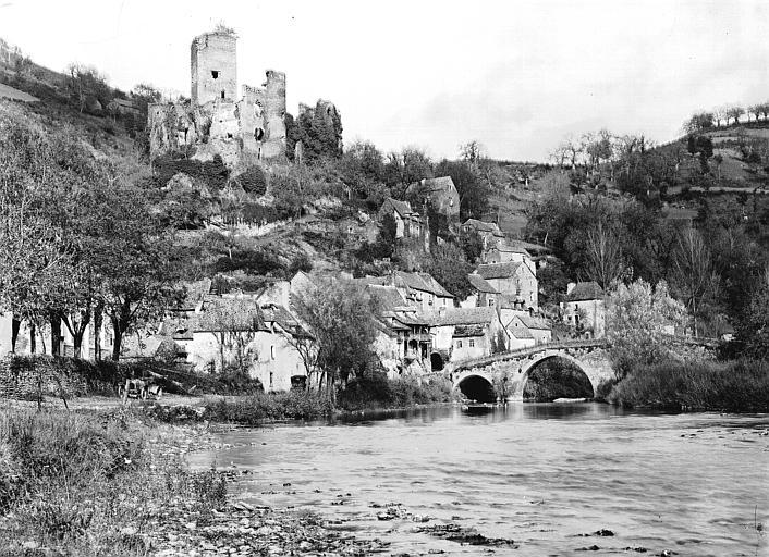 Château (restes du);Pont