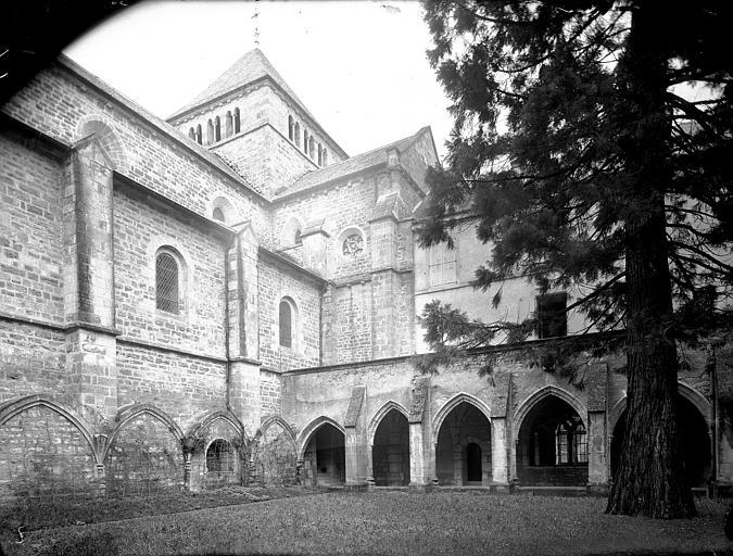 Eglise et cloître