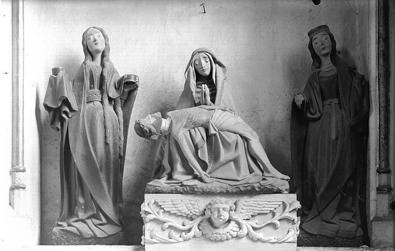 Statue de Mater Dolorosa