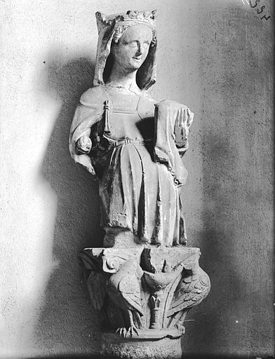 Chapiteau, la Vierge et l'Enfant