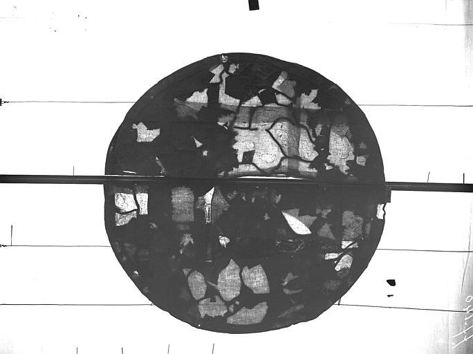 Vitrail, abside côté sud, quatrième fenêtre, rose