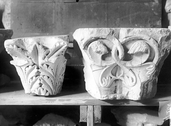 Chapiteaux (deux), fragment