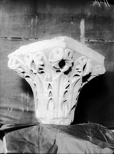 Chapiteau (des Bouchittes ?), fragment