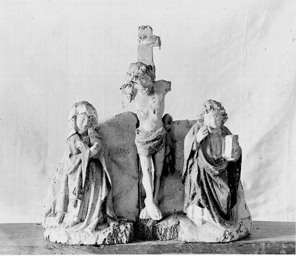 Retable, haut-relief en bois, détail, Le Christ en Croix