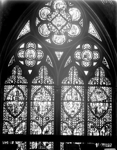 Vitrail, nef, vue du nord, troisième fenêtre, partie haute