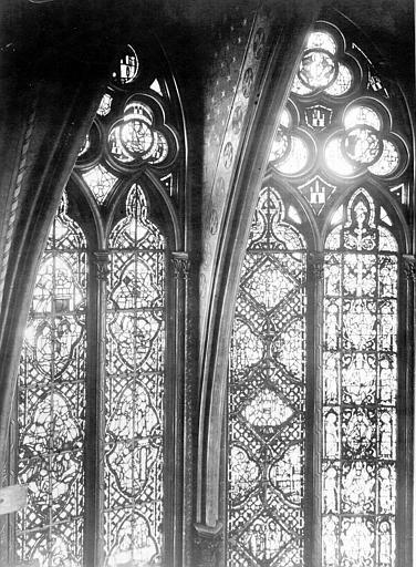 Vitrail, abside, côté nord, première et deuxième fenêtres, partie haute