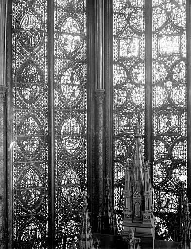 Vitrail, abside, côté nord, troisième fenêtre, partie médiane, Enfance du Christ et vie de saint Jean l'Evangéliste